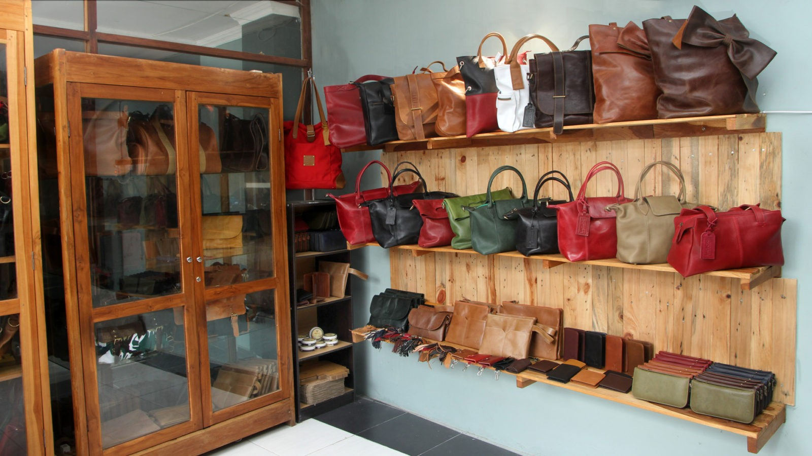 Showroom Bagbone 2